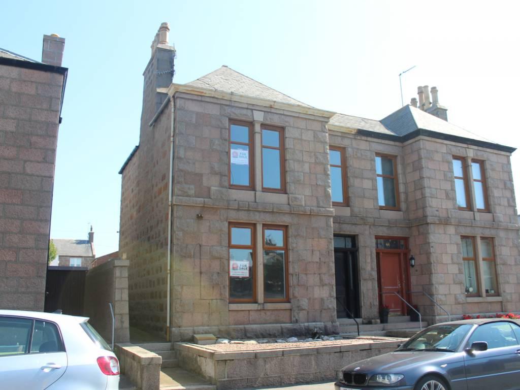 46 York Street, Peterhead, Aberdeenshire, AB42 1SN, 4 Bedrooms Bedrooms, ,2 BathroomsBathrooms,Semi-Detached,For Sale,York Street,1083