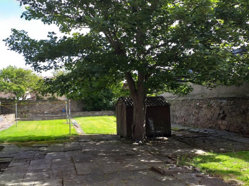 38 Queen Street, Peterhead, Aberdeenshire, AB42 1TQ, 6 Bedrooms Bedrooms, ,2 BathroomsBathrooms,Terraced,For Sale,Queen Street,1249