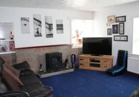 7 Roanheads,Peterhead,Aberdeenshire,AB42 1JT,3 Bedrooms Bedrooms,1 BathroomBathrooms,Detached,Roanheads,1042